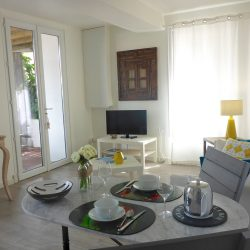 Living room and TV corner The Annexe - Villa Caroline Arcachon (France)