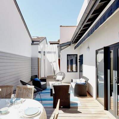 Dining area outdoor living area terrace Garance Villa Arcachon