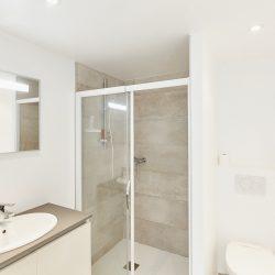 La salle d'eau avec douche de Villa Garance - Villa Caroline à Arcachon