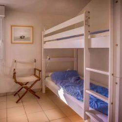 Chambre avec lits jumeaux de la Villa Basque - Villa Caroline au Cap Ferret