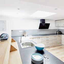 La cuisine très fonctionnelle et entièrement équipée de Villa Garance - Villa Caroline à Arcachon